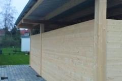 Garage aus Holz mit Flachdach